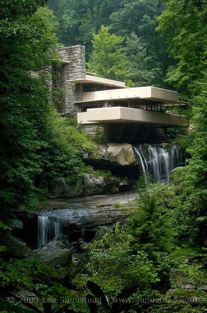 Fallingwater frank lloyd wright for House built on waterfall